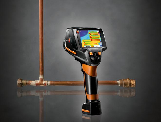 Eine Wärmekamera zum Auffinden von Wasserleitungsschäden und Rohrbrüchen